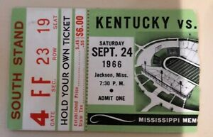 1966 Kentucky Wildcats Versus Ole Miss Rebels Football ...