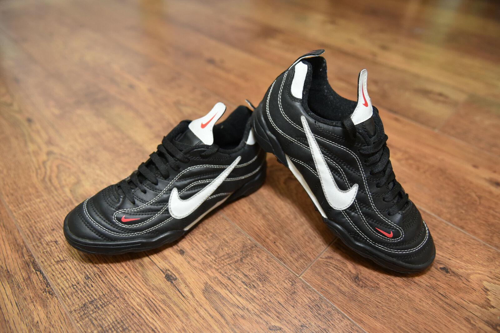 Nike Mercurial Pro 1998 AG Fútbol botas vapor R9 Astro Turf Talla 5.5 en muy buena condición