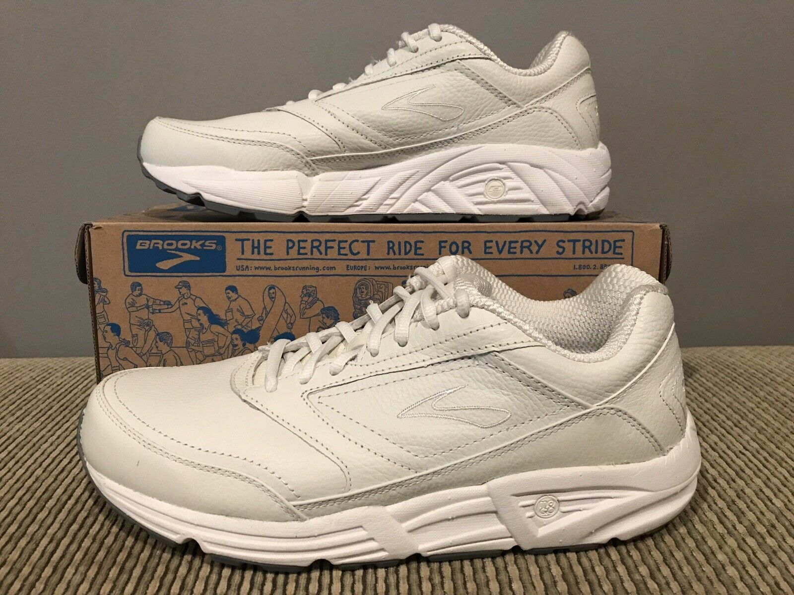 New Brooks Addiction Walker Women 11.5EE Extra Wide White Save Off Retail
