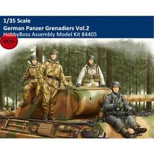 German Tropical Panzer Crew 1:35 Plastic Model Kit 84409 HOBBY BOSS