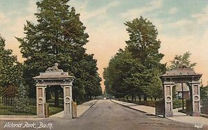 BATH  VICTORIA PARK ENTRANCE COLOUR POSTCARD 190X - <span itemprop='availableAtOrFrom'>Worthing, United Kingdom</span> - BATH  VICTORIA PARK ENTRANCE COLOUR POSTCARD 190X - Worthing, United Kingdom