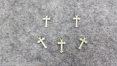 Set 36 mini croci in plastica argentata Ciondolo Croce Bomboniera Ciondoli