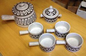 Service-a-cafe-et-poelons-ceramiques-signe-Masson-Annees-50-Vallauris-12-pieces
