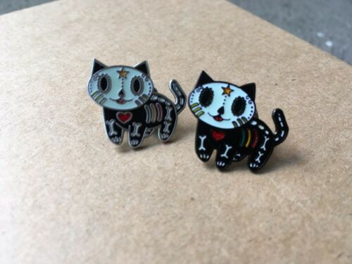 Set Of 2 Dia de Los Muertos Gato Day Of The Dead Kitty Cat Label Pins Geocoin