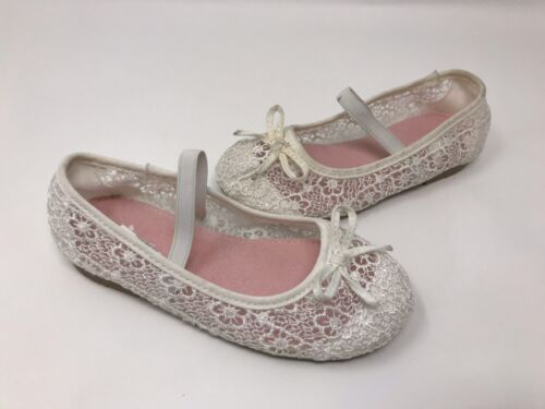 NEW JUMPING BEANS  Toddler Girl/'s LIL OLIVE White Lace Dress Shoes 150P