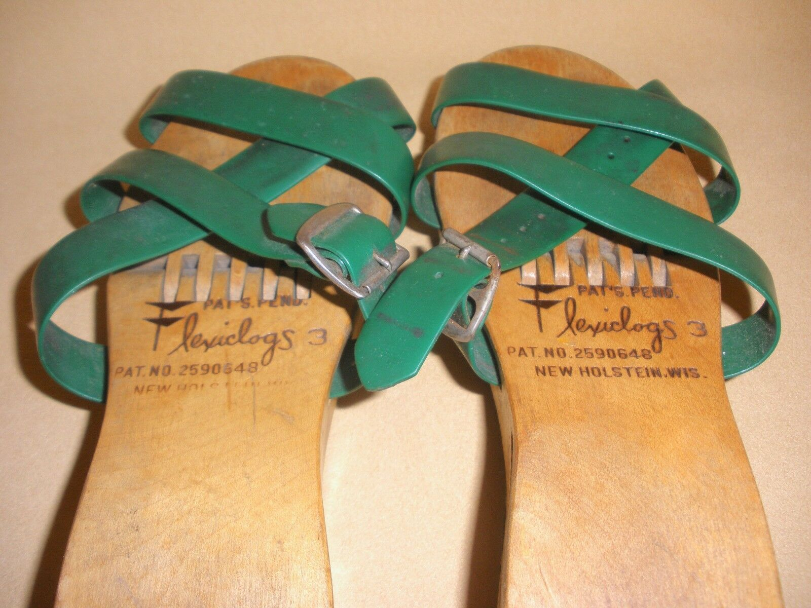 1950's Ladies Flexiclogs in Green Patent 2590648 … - image 5