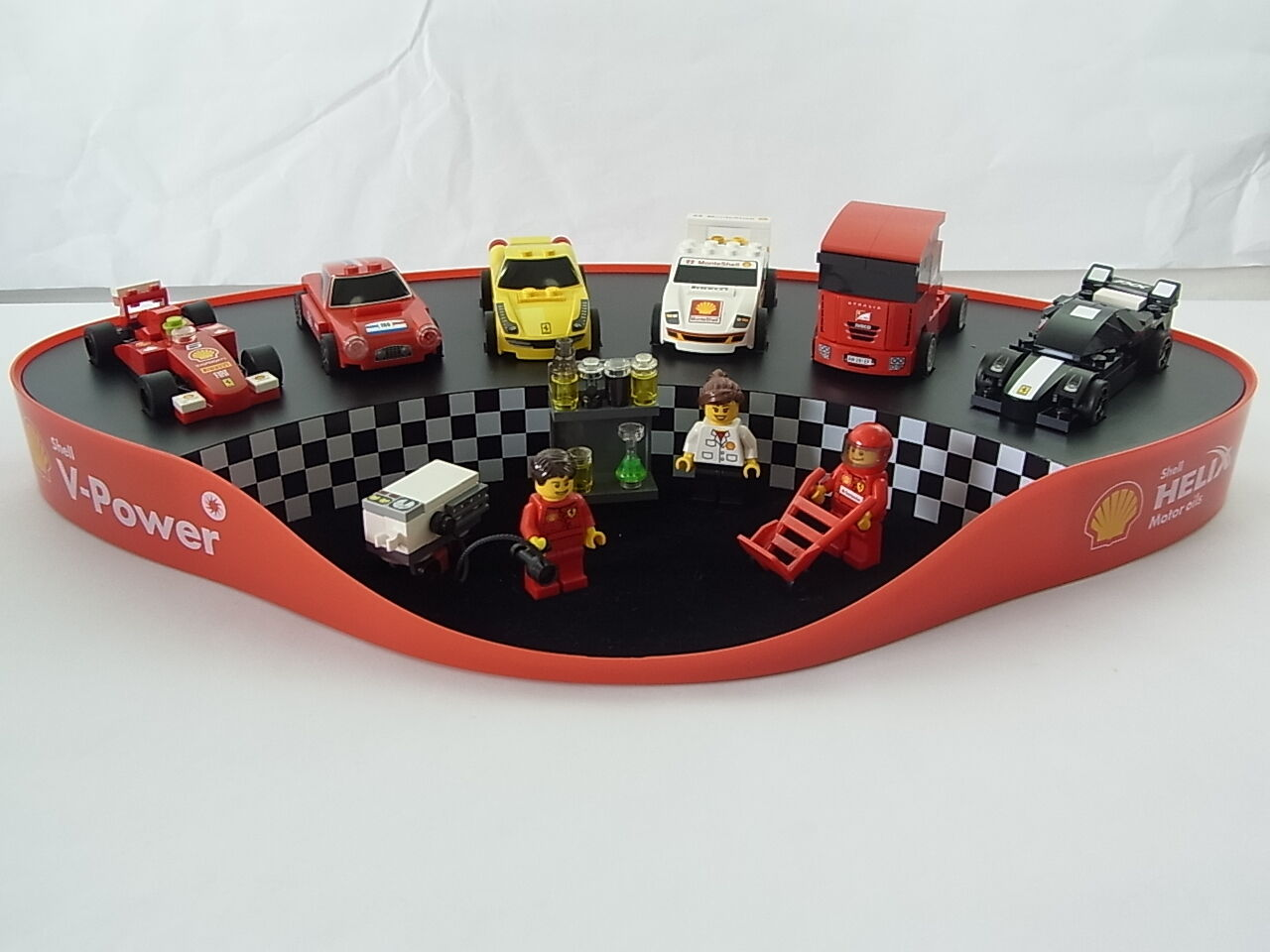 Lego Shell Ferrari Garage Display New Ferrari F1 250 GT Berlinetta 450 Italia