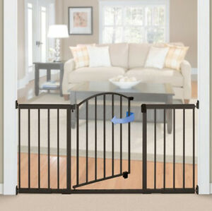 baby gate with swing door for wide openings modern extra. Black Bedroom Furniture Sets. Home Design Ideas