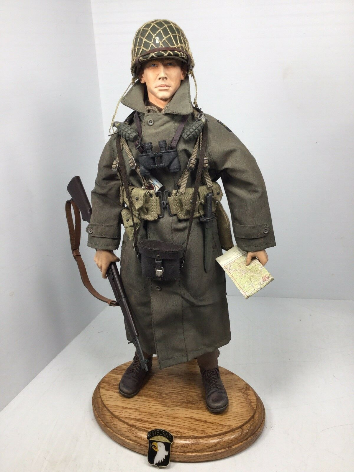 1 6 DRAGON US 101ST AIRBORNE PARATROOPER LT GARAND OAK STAND WW2 DID 21st BBI