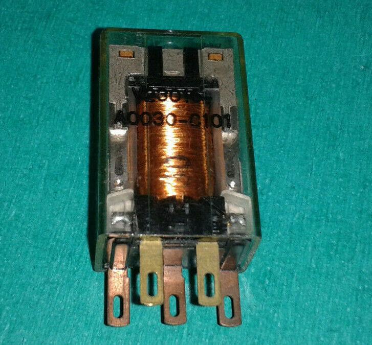 V23016-A0030-C101 5pins SIEMENS RELAY (used) ID7244pEL2T1