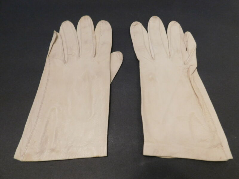 Tireless **designer Ladies Beige Buttery Leather Gloves Unlined Size 6.5
