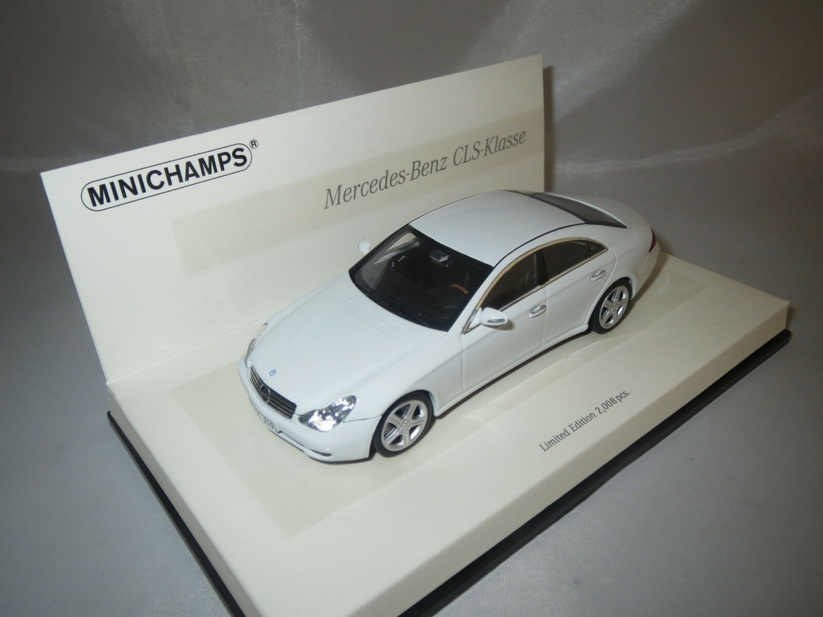 MINICHAMPS 436034300 436034300 436034300 Mercedes-Benz CLS-classe (2005) Linea Bianco 1 43 neuf dans sa boîte b57e9e