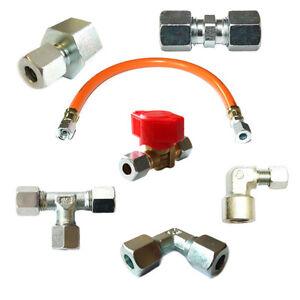 Verschraubungen-zum-Anschluss-eines-Gasherdes-Gasinstallation-Winkel-Schneidring