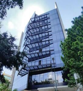 Edificio Corporativo Nuevo en Venta en La Condesa