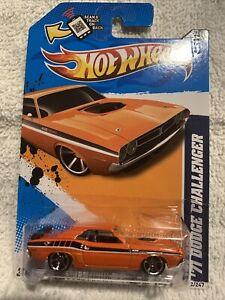 Hot Wheels 2012 Muscle Mania Mopar '71 Dodge Challenger Orange (1)