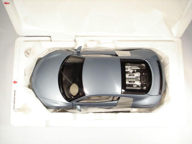 Kyosho 501.06.184.15 1/18 Audi R8 V8 4.2 FSI Jetblau Métal