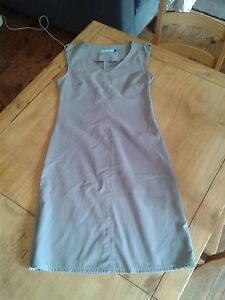 Jolie-robe-grise-Billabong-taille-3
