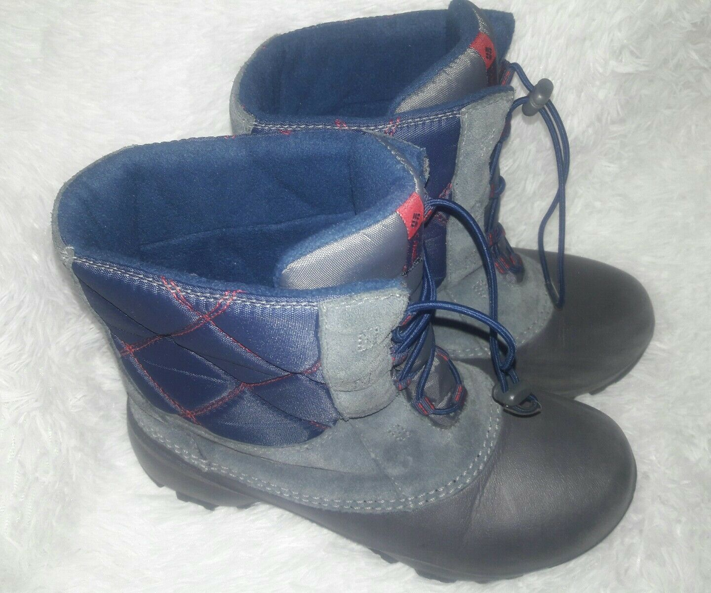 Columbia gray 200 grams Waterproof Boots Women's Size 6 Grey/Red/Navy blue