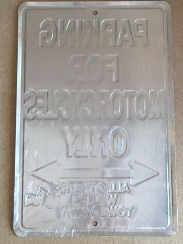 20,3 x 30,5 cm Plaque en Aluminium avec Inscription /« Harley Davidson Road King Police Parking Only All Others Will Be Towed /»
