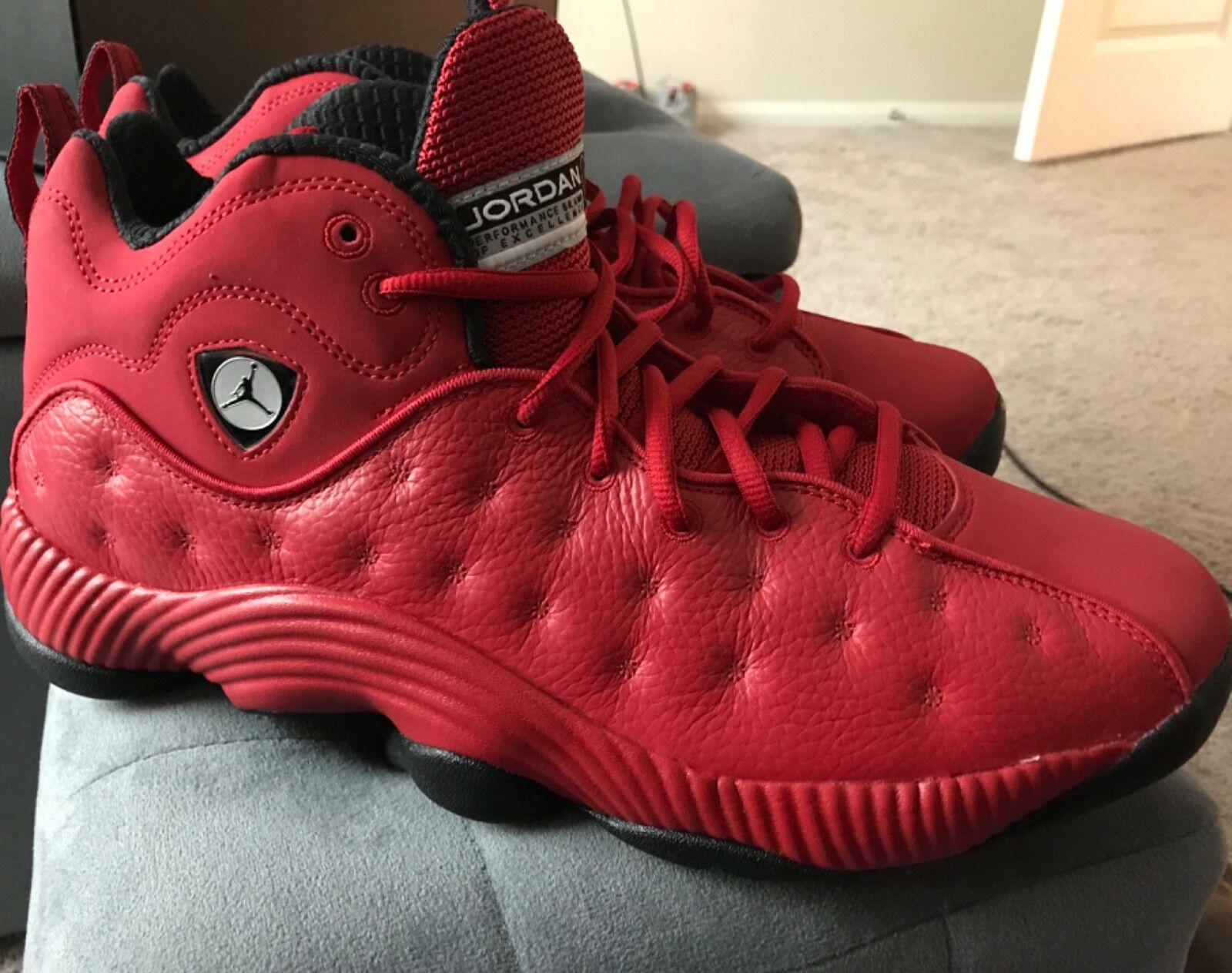 819175-602 red team jordan without box