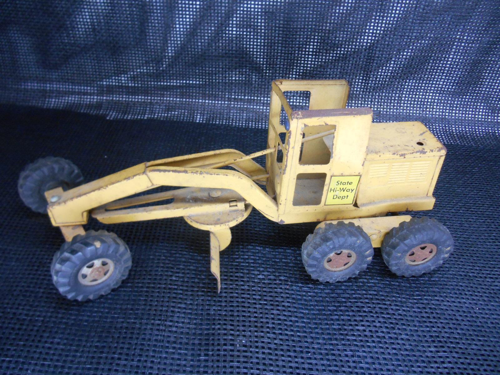 Old vintage TONKA Toys State Hi-Way Dept. Niveleuse Pressed Steel Toy camion