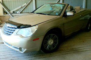 2008 Chrysler convertible excellent condition