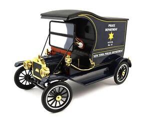 Motor City Classics 1915 Ford Model T Cargo Van Nypd