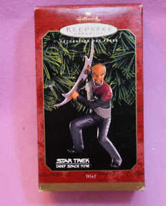 STAR-TREK-LT-WORF-HALLMARK-ORNAMENT-MINT-IN-BOX-DS9-Deep-Space-Nine