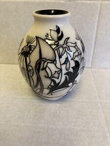 Moorcroft-Timeless-Vase-3-5-Emma-Bossons-RRP-340-Monochro-Christmas-Gift