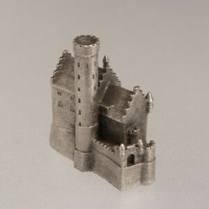 Lichtenstein-castle-historic-architecture-metal-building-model-scale-1-1000