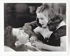 "John Garfield / Hazel Brooks (Pressefoto '47) in ""Jagd nach Millionen"""