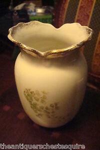 Antique-JOHN-MADDOCK-amp-SONS-Staffordshire-UK-c1880-1896-vase-ruffled-border-4-45