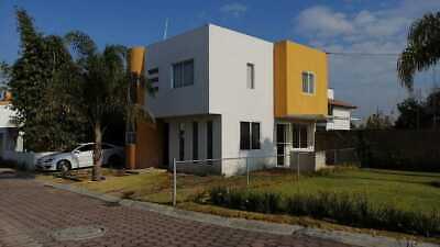 Preciosa casa en fraccionamiento
