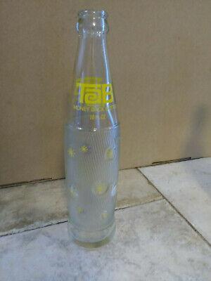 COCA COLA CO VINTAGE TAB SODA BOTTLE 10 OZ CLEAR GLASS YELLOW PRINT *BEAUTY*