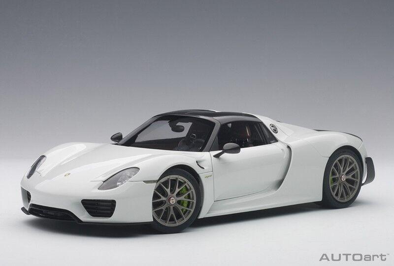 Autoart - Porsche  Spyder Paquete de Weissach (Glossy Blanco) 2018