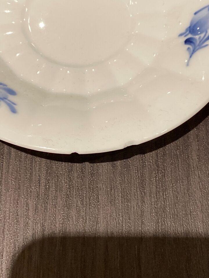 Porcelæn, Underkop undertallerken , Blå blomst kantet