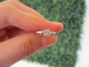 28-Carat-Diamond-White-Gold-Engagement-Ring-18k-ER170-sepvergara