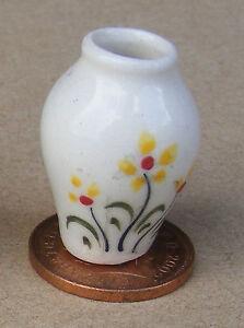 Escala 1:12 Jarrón de cerámica Amarillo Floral 2.6cm alta tumdee Ornamento De Casa De Muñecas Y20
