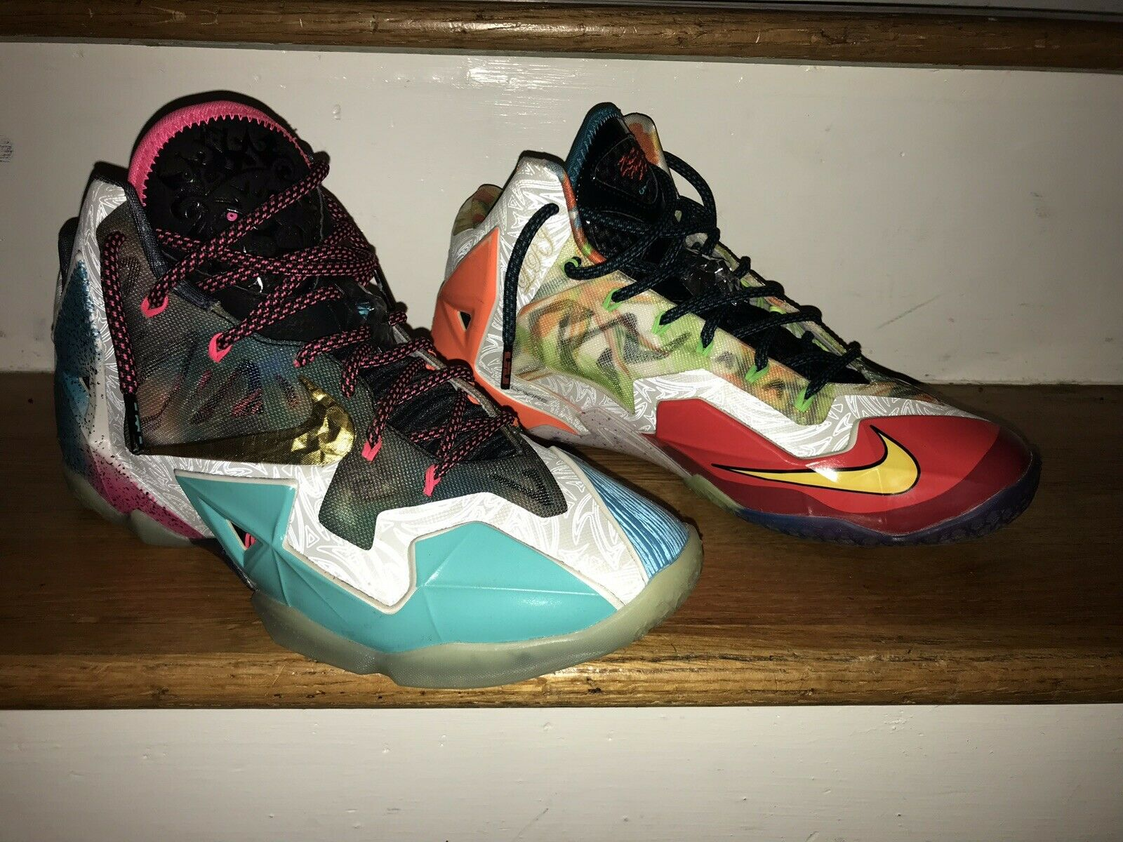 """Mens Lebron XI """"What The"""" (Size 9.5)"""