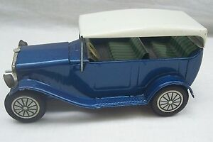 Vintage-Tin-Plate-Friction-Drive-Model-Toy-Car-Made-In-Japan