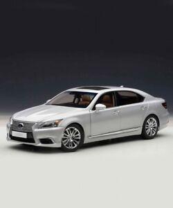 NEU-LEXUS-LS-600-HL-Silber-Toyota-Driver-Racer-Auto-Flagship-Limousine-Japan