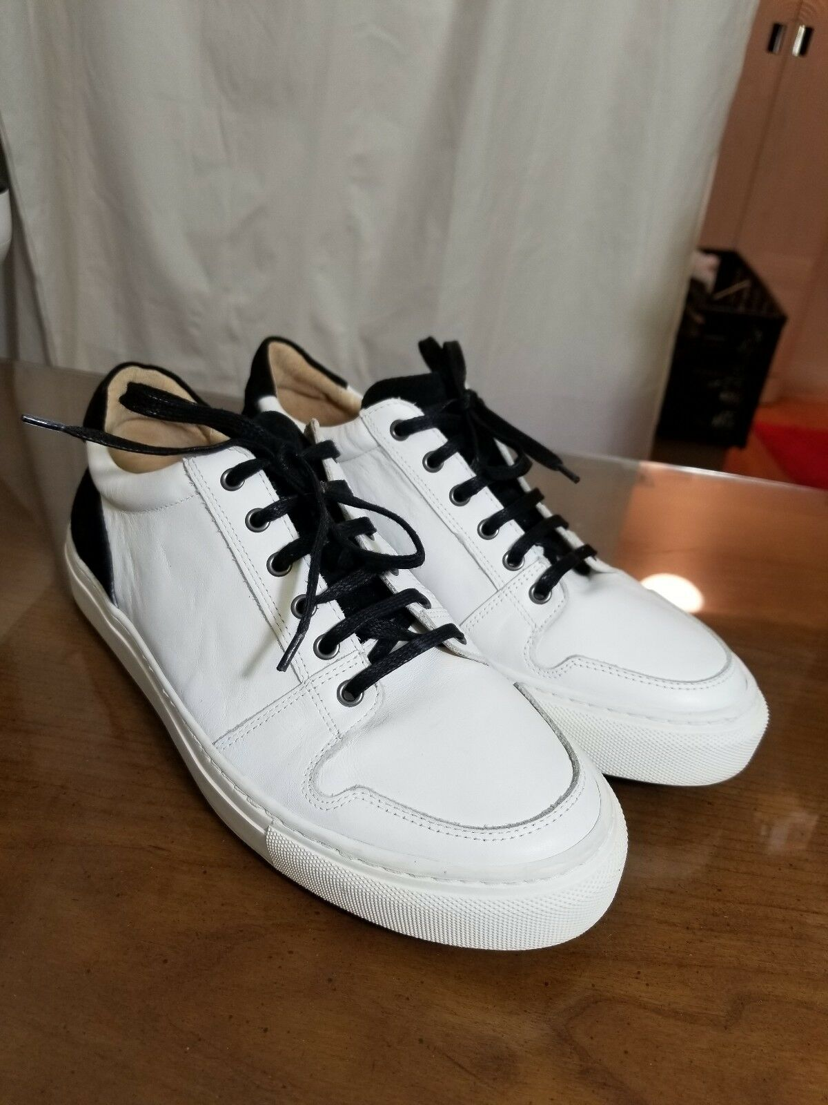ALPHAKILO Grady Sneaker Men's size 9.5 White Black Leather