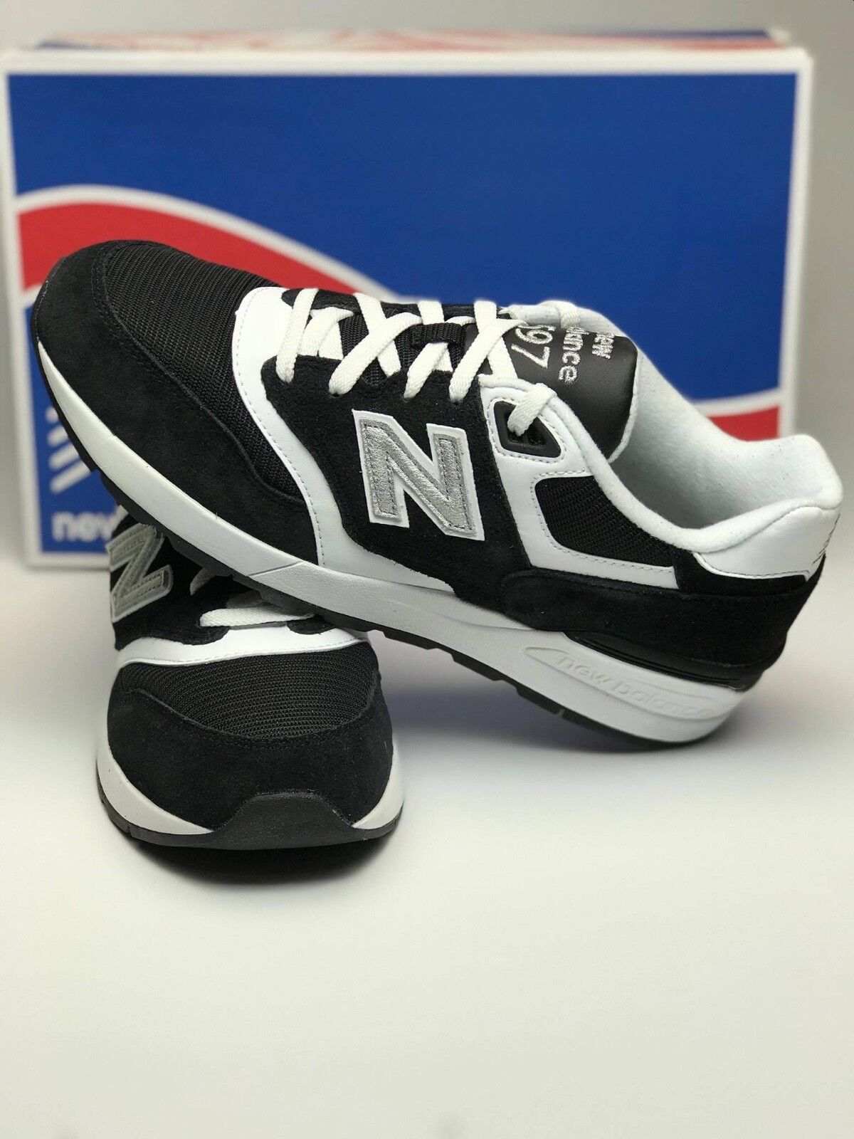 New Balance 597 ML597RSD Black White Grey Size 9 Runners New In Box
