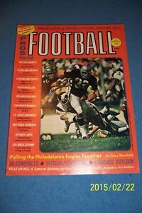 1972-PROS-Football-OAKLAND-Raiders-DON-HIGHSMITH-NFL-Preview-CANADIAN-FOOTBALL