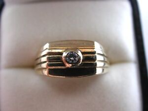 9ct-Yellow-Gold-amp-Diamond-Gents-Signet-Ring-Fully-Hallmarked