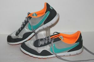 be4f1d5a947e Image is loading Nike-Victoria-Trainers-Running-Shoes-525322-005-Grey-