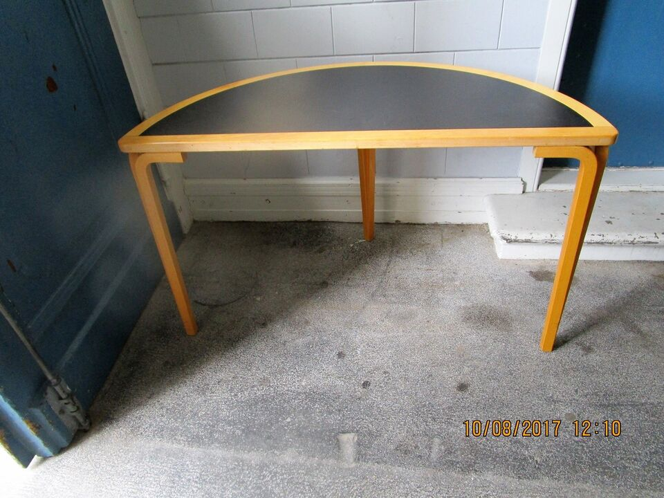 Anden arkitekt, Bord/halv-bord/cirkel- halvbord