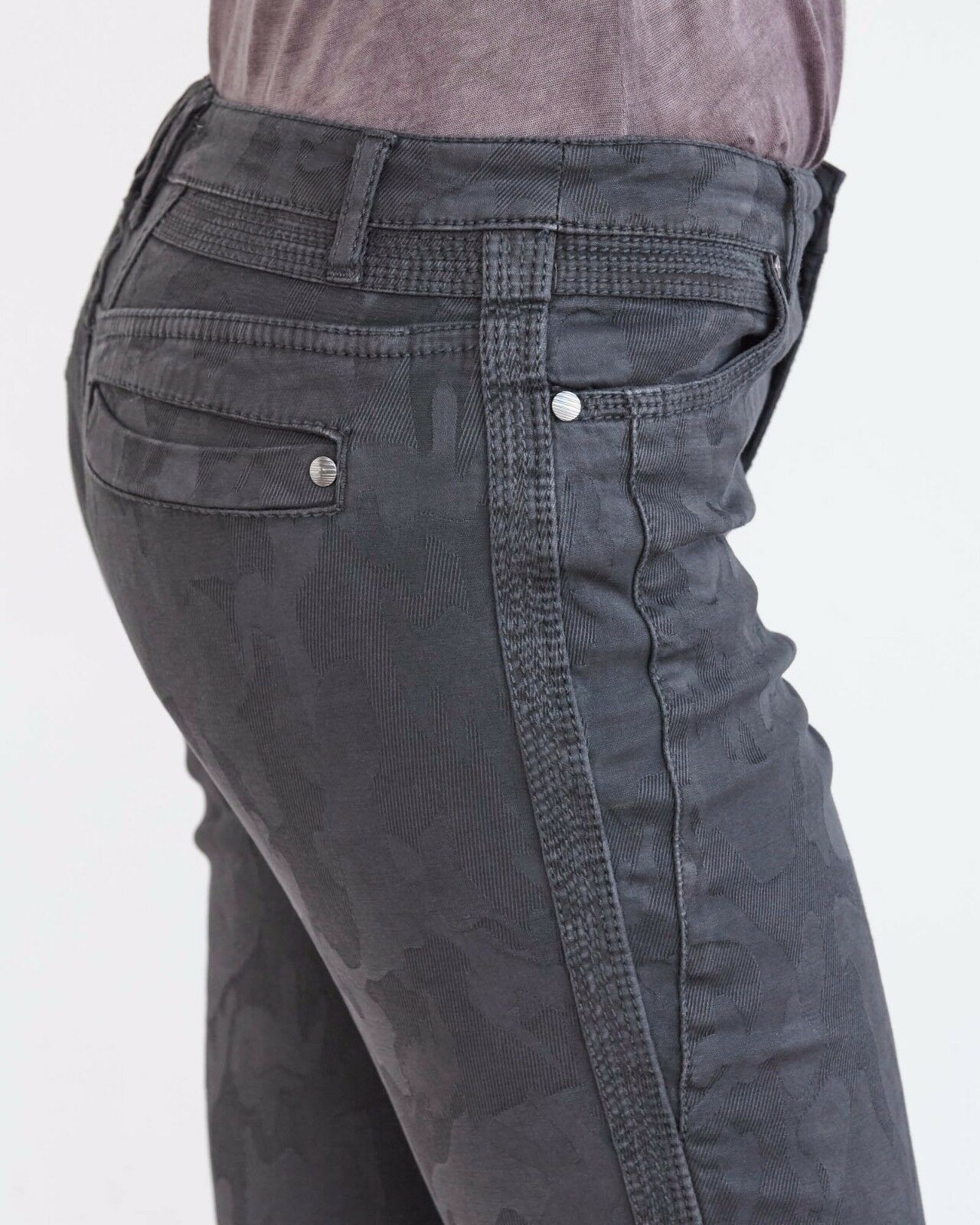 NWT MARRAKECH Size 25 Slim Jacquard Camo Pant Graphite