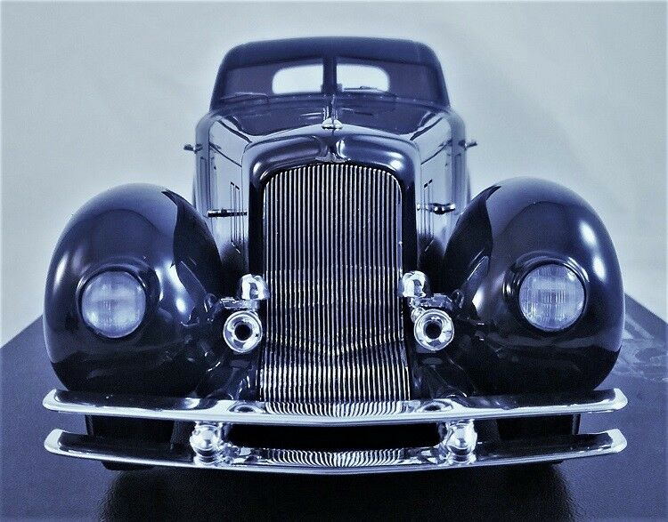 Jay Leno's Duesenberg Aerodynamic Walker Coupe in 1 24 Scale by The Diecast Club