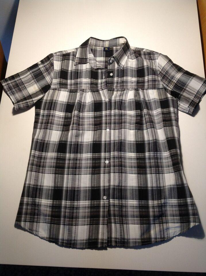 Skjorte, ?, str. findes i flere str.